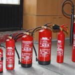 Varias capacidades de extintores